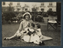 The Goodman family, by Lady Ottoline Morrell - NPG Ax143441