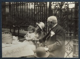 Philip Goodman with his mother and 6th Duke of Portland, by Lady Ottoline Morrell - NPG Ax143447