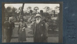 Marc Connelly; Madeline Hurlock; Thomas Sturge Moore and an unknown woman, by Unknown photographer - NPG Ax143575
