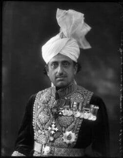 Nawab Malik Sir Umar Hayat Khan, by Bassano Ltd - NPG x124927