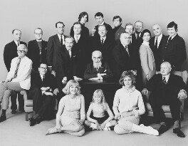 'Swinging London' Group (includes Prince Dimitri Romanoff (Romanov); David Hockney; Susannah York; Dave Davies; Roman Polanski; Lady Antonia Fraser (née Pakenham); Terence Donovan and 15 others), by Patrick Lichfield, February 1967 - NPG x128489 - © Lichfield