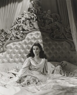 Vivien Leigh as Lady Hamilton in 'That Hamilton Woman', by Robert Coburn, or by  Laszlo Willinger, 1941 - NPG  - © Laszlo Willinger / Kobal Collection