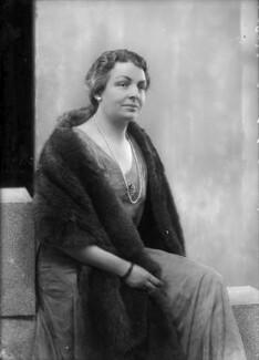 Hyacinthe Mary Boyle (née Bell), Countess of Glasgow, by Bassano Ltd - NPG x150489