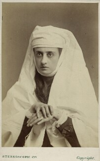 Mary Frances Scott-Siddons, by London Stereoscopic & Photographic Company - NPG Ax39896