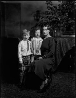 Frieda Napier (née Lewis, later Mason) with her sons, by Bassano Ltd - NPG x150946