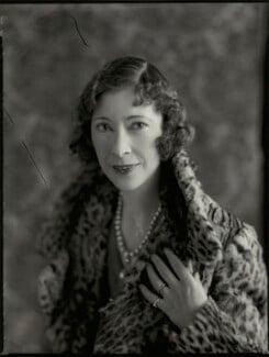 (Lilian) Maud Glen (née Coats), Duchess of Wellington, by Bassano Ltd - NPG x151006