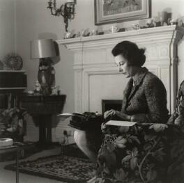 Anne Eleanor Scott-James (Lady Lancaster), by J.S. Lewinski - NPG x128710