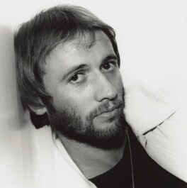 Maurice Ernest Gibb, by Harry Goodwin - NPG x128719