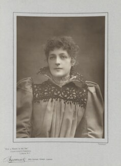 Hope Temple (Dotie Davies), by Herbert Rose Barraud, published by  Eglington & Co - NPG Ax5486