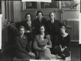 Dorothea Grace (née Baker), Lady Evans; Sir Robert Charles Evans and their daughters, by Bassano Ltd, 8 January 1935 - NPG x151265 - © National Portrait Gallery, London