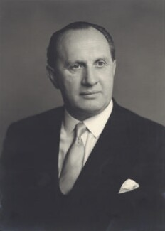 John Charles Henry Pratt, 5th Marquess Camden, by Walter Stoneman - NPG x166330