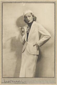Florence Desmond, by Dorothy Wilding - NPG x68815
