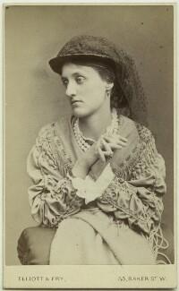 (Marion) Edith Hunt (née Waugh), by Elliott & Fry - NPG x76665