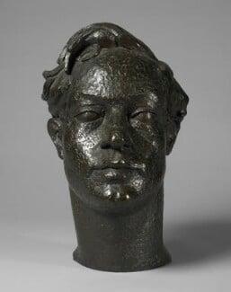 Duncan Grant, by Stephen Tomlin, 1924 - NPG 6889 - © National Portrait Gallery, London