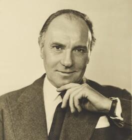 Sir Ralph Richardson, by Dorothy Wilding - NPG x34863