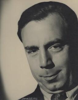 NPG x2074; J.B. Priestley - Portrait - National Portrait ... | 254 x 325 jpeg 32kB