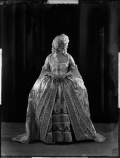 Lady Isobel Blunt-Mackenzie (later Lady Isobel Linda), by Bassano Ltd - NPG x151919