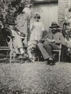 Raymond Mortimer; Angelica Garnett; the dog Henry; Lytton Strachey, by Vanessa Bell - NPG x13898