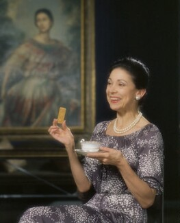 Margot Fonteyn, by Bernard Lee ('Bern') Schwartz, 3 May 1977 - NPG P1167 - © National Portrait Gallery, London