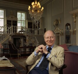 John Gielgud, by Bernard Lee ('Bern') Schwartz, 1 May 1977 - NPG P1173 - © National Portrait Gallery, London