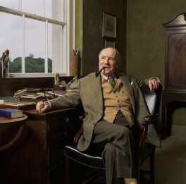 Sir Ralph Richardson, by Bern Schwartz - NPG P1243