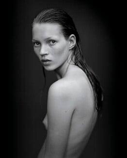 Kate Moss, by Mario Sorrenti - NPG P1276