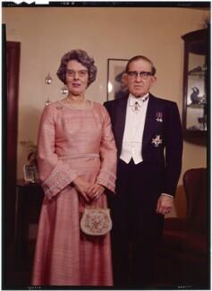 Sir Alan Cumbrae Rose McLeod and Noreen Egremont (née King), Lady McLeod, by Bassano Ltd - NPG x173188