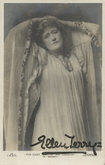 Ellen Terry as Fair Rosamund in 'Becket', by Window & Grove, published by  J. Beagles & Co, 1900s (1893) - NPG x26804 - © National Portrait Gallery, London