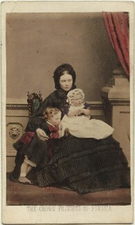 Victoria, Empress of Germany and Queen of Prussia with her two eldest children, by John Jabez Edwin Mayall, July 1861 - NPG x131291 - © National Portrait Gallery, London