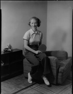 Ruth Hughes Aarons, by Bassano Ltd, 25 March 1937 - NPG x152629 - © National Portrait Gallery, London
