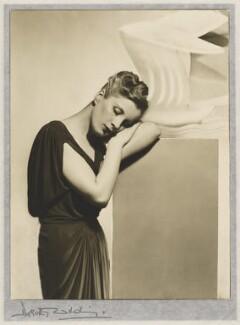 Diana Wynyard, by Dorothy Wilding - NPG x20451