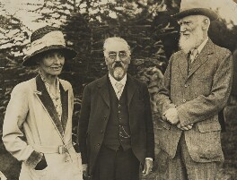 'Hill Farm' (Beatrice Webb; Sidney James Webb, Baron Passfield; George Bernard Shaw), by Unknown photographer, 28 June 1930 - NPG P1292(23) - © National Portrait Gallery, London