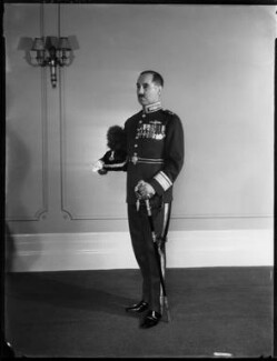 Sir (Alfred) Guy Roland Garrod, by Bassano Ltd - NPG x154114