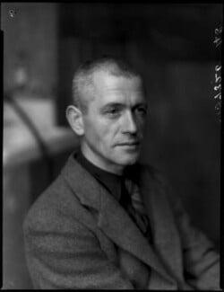 Percy Metcalfe, by Bassano Ltd - NPG x154232