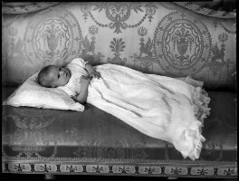 (Pamela) Jane Marguerite (née Berry), Lady Mobbs, by Bassano Ltd - NPG x153106