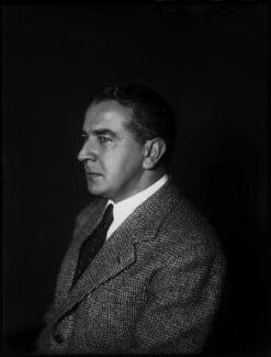 Sir William Percival Hildred, by Bassano Ltd - NPG x154258