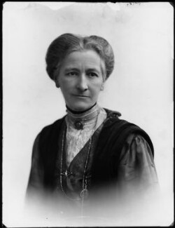 Lady Margaret Florence Lucy Boscawen (née Byng), by Bassano Ltd - NPG x154321