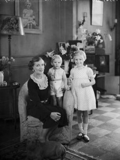Lady Vivian with her children, by Bassano Ltd, 29 September 1937 - NPG x153213 - © National Portrait Gallery, London
