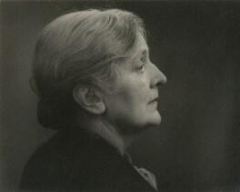 Sybil Thorndike, by T. & R. Annan & Sons - NPG x131705