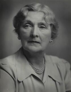 Sybil Thorndike, by T. & R. Annan & Sons - NPG x131706