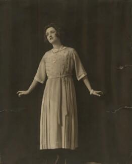 Gaby Deslys (Marie-Elise Gabrielle Caire), by Madame Yevonde - NPG x11647