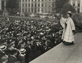 Emmeline Pankhurst addressing a crowd in Trafalgar Square, by Central Press, 1908 - NPG  - © National Portrait Gallery, London