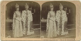 'The Crowned King Edward VII and Queen Alexandra in Coronation Robes, on their return from Westminster Abbey, Buckingham Palace, London', by James Edward Ellam, published by  Underwood & Underwood - NPG x131829
