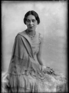 Dame Gwen Lucy Ffrangcon-Davies, by Yvonne Gregory - NPG x132001