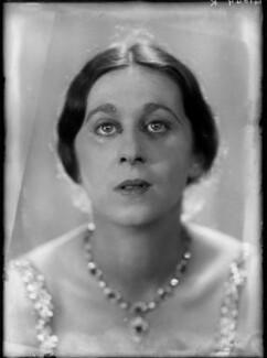Dame Gwen Lucy Ffrangcon-Davies, by Yvonne Gregory - NPG x132003