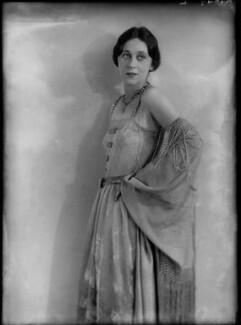 Dame Gwen Lucy Ffrangcon-Davies, by Yvonne Gregory - NPG x132004
