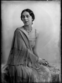 Dame Gwen Lucy Ffrangcon-Davies, by Yvonne Gregory - NPG x132005