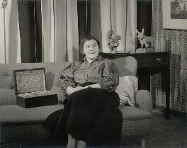 Marianne Straub, by Geoffrey Ireland - NPG x34028