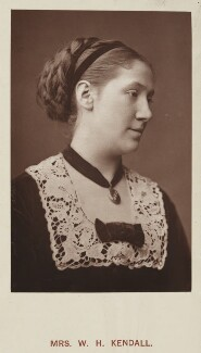 Madge Kendal, by Unknown photographer, published by  Hardwicke & Bogue - NPG Ax45751