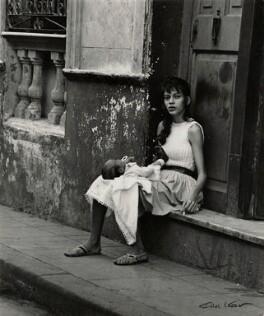 'Taking a breeze in Old Havana', by Ida Kar, 1964 - NPG  - © National Portrait Gallery, London